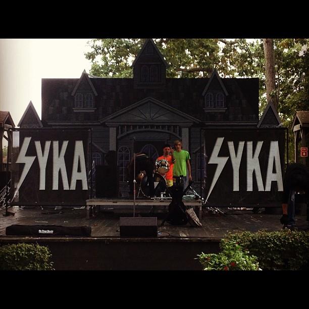 Syka on stage